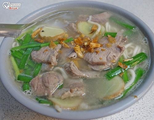 今日熱門文章:華西街美食:昶鴻麵點、壽司王、阿猜嬤甜湯