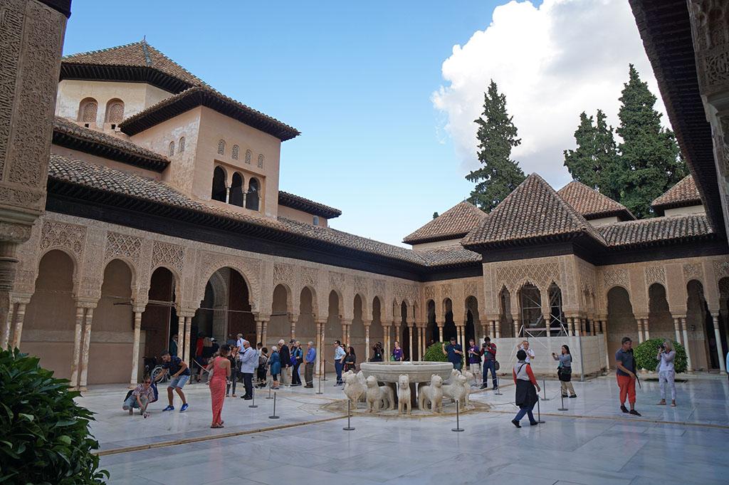 勇闖西班牙(下) | 格拉納達阿爾罕布拉宮、瓦倫西亞主教座堂、巴塞隆納高第建築蒙+特塞拉特山(圖多)