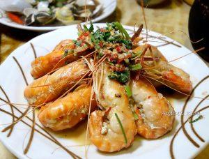 今日熱門文章:蘆洲美食.北海岸活蝦之家,據說最威的是奶油蝦