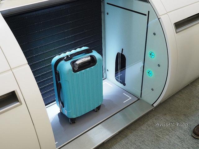 再不用大包小包到機場!桃園機場捷運預辦登機託運行李,台北車站就可以直接搞定! @愛吃鬼芸芸