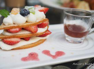 今日熱門文章:捷運中山站.夢甜屋,草莓季就是要狂吃草莓啊!