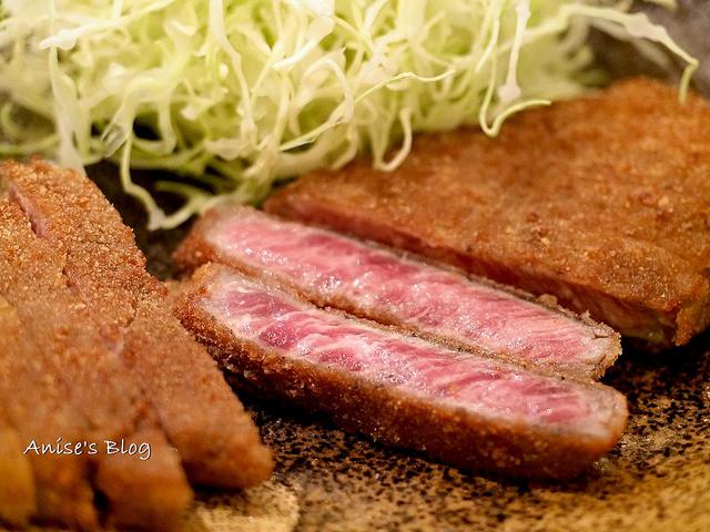 東京美食.超火紅炸牛排 牛かつ もと村 新橋店 @愛吃鬼芸芸