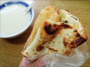 今日熱門文章:板橋美食,韓老爹豆漿店,厚燒餅油條排隊早餐店(姊姊食記)