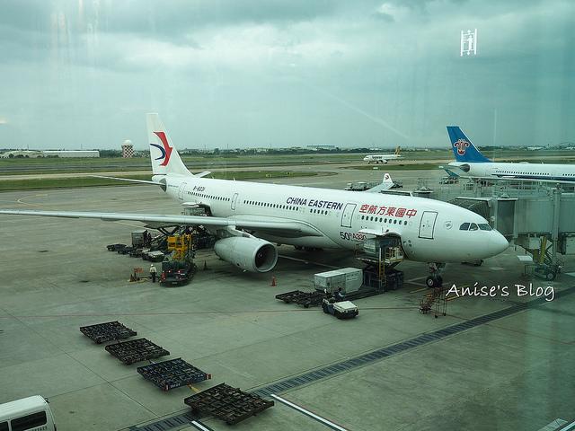 中國東方航空,咻一下就到上海! @愛吃鬼芸芸
