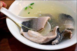 今日熱門文章:內湖西湖市場站美食.康廚鮮魚湯專賣店(姐姐食記)