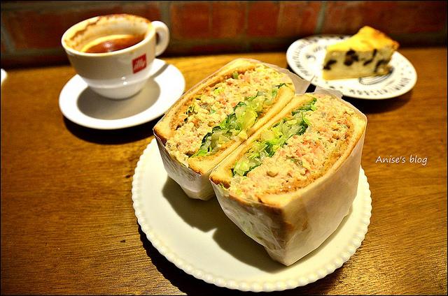 Fly's kitchen原來不只肉桂捲跟貝果好吃,三明治也超威(看你運氣囉!) @愛吃鬼芸芸
