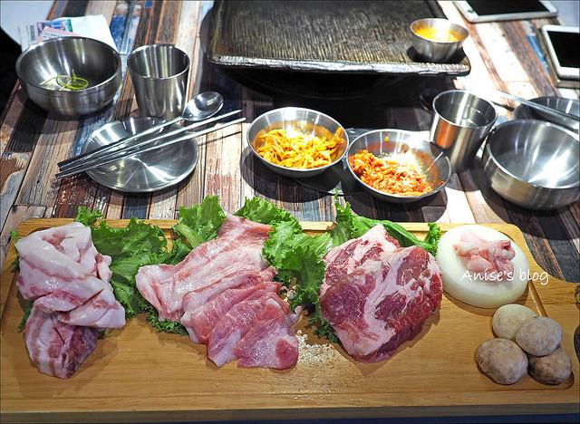 咚咚家dondonga家韓式豬肉專賣店,豬肉好好吃,我還要再去! @愛吃鬼芸芸