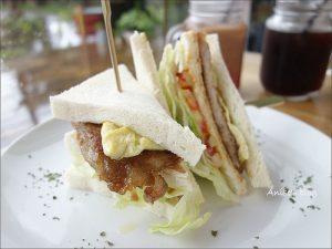 今日熱門文章:頭城美食.方塊屋,精緻小巧的可愛貨櫃屋咖啡廳