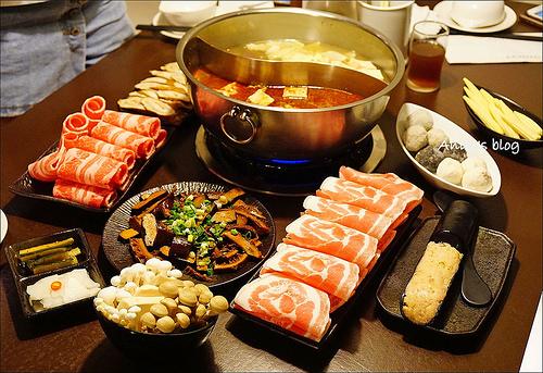 史記精緻鴛鴦鍋,味道清淡肉質佳,要價不斐