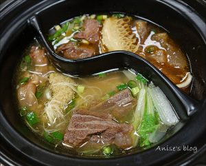 今日熱門文章:牛易館,太極牛肉麵最出名,一麵六吃玩出牛肉麵新花樣