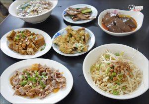 今日熱門文章:八德路美食.阿展乾麵,鴨血+乾麵是老饕的隱藏版吃法!