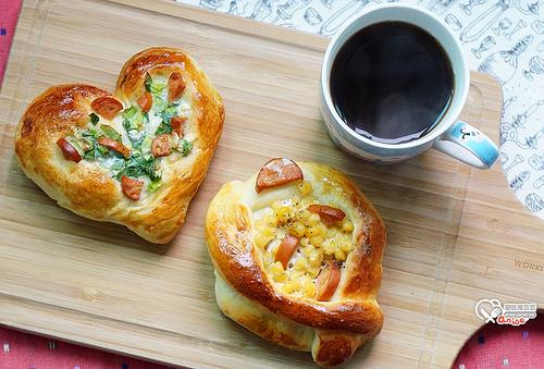 低溫發酵麵包:蔥花麵包、玉米麵包、起司條 @愛吃鬼芸芸