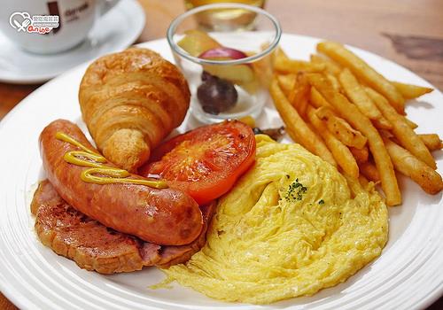 東區早午餐.旅人咖啡,平價可口costco風味 @愛吃鬼芸芸