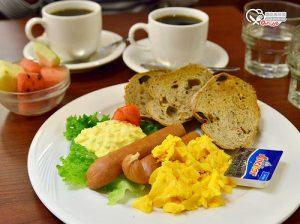 今日熱門文章:東區早餐.UCC Cafe,獻給晨型人