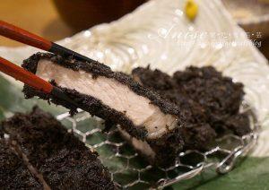 今日熱門文章:微風松高.勝勢豬排(伊勢路),黑色豬排很有噱頭!