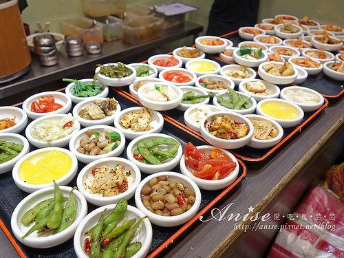 東區美食.朝鮮味韓國料理,50道小菜吃到飽比主菜厲害 @愛吃鬼芸芸