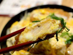今日熱門文章:東區美食. 常五杯讚岐打掛烏龍麵(土三寒六系列)