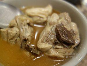 今日熱門文章:遼寧夜市美食.阿圖麻油雞