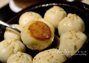 今日熱門文章:東區美食.高記復興店,最愛依然是鐵鍋生煎包!