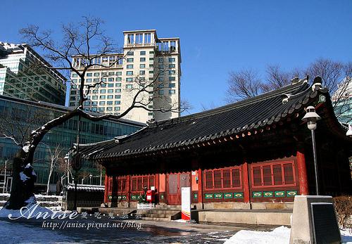 首爾景點~安國站旁郵征總局,韓國第一個郵局!(外加安國站星巴克) @愛吃鬼芸芸