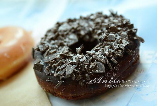 首爾美食~Krispy Kreme 傳說中非吃不可甜甜圈(明洞店、金浦機場店)@102年首爾行 @愛吃鬼芸芸