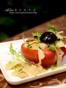 今日熱門文章:六星集Villa風味餐廳之愛戀套餐,創意客家料理挺特別