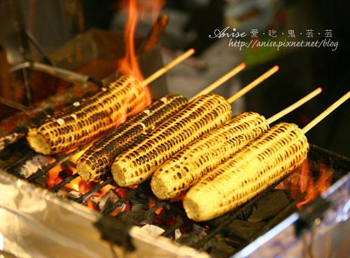遼寧夜市~名峰烤肉飯、光華炭烤玉米、郭家擔仔麵、燒麻糬 @愛吃鬼芸芸