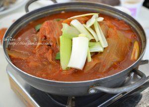 今日熱門文章:濟州島美食.美津餐廳的道地泡菜火鍋