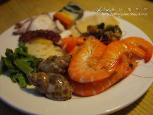 今日熱門文章:宜蘭.挪亞方舟歐式百匯餐廳,是海鮮吃到飽來著!