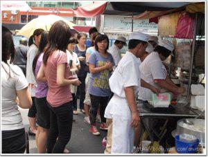 今日熱門文章:99.05.20 人氣鼎沸的阿娥水餃攤