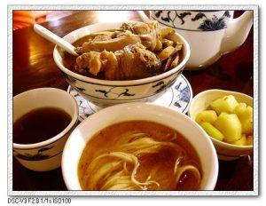 今日熱門文章:95.12.14 食運超好一天! ( 何首烏皇帝雞+豪季水餃+滷味&米粉 )