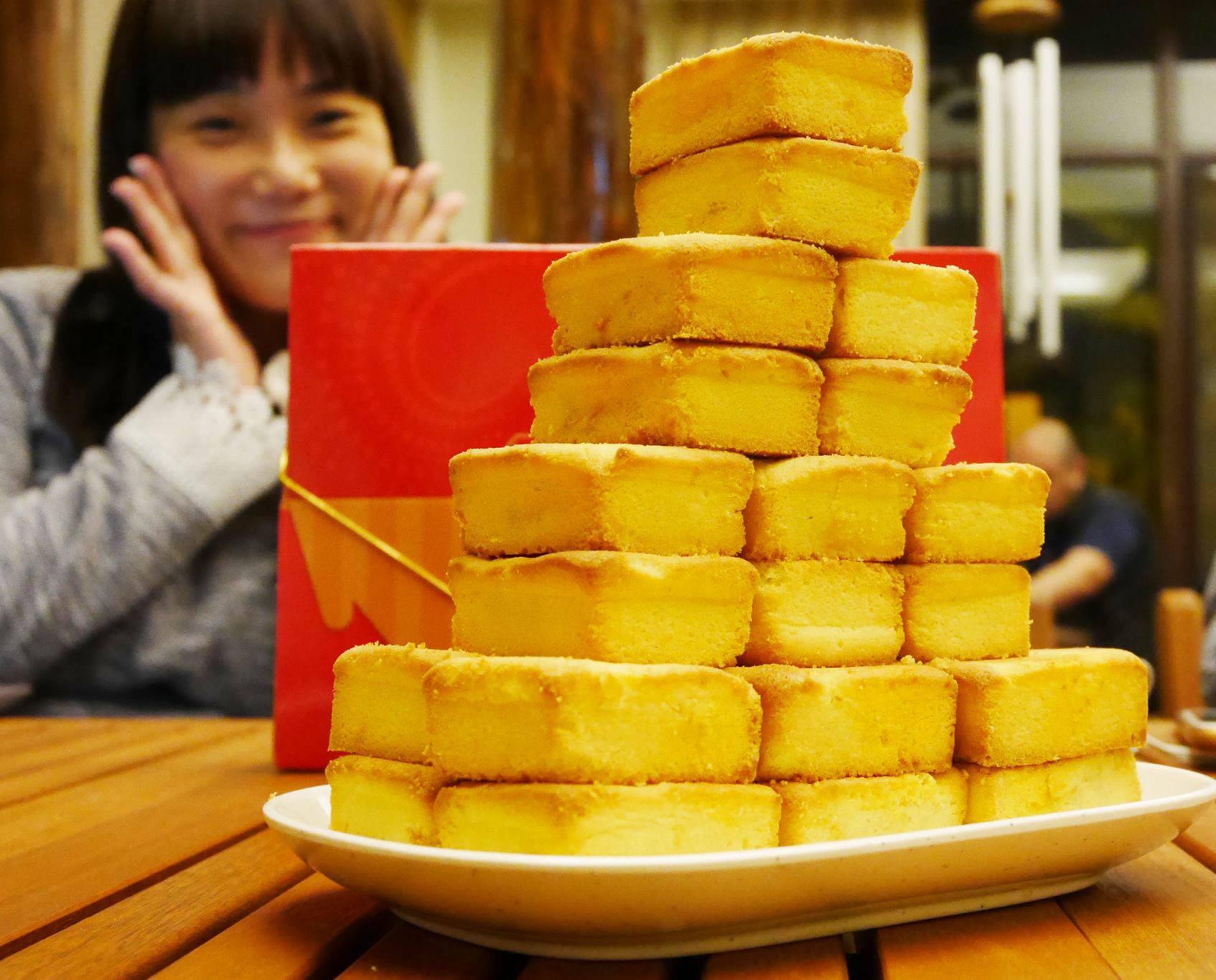 小潘鳳梨酥板橋之光,鳳黃酥又香又好吃❤️