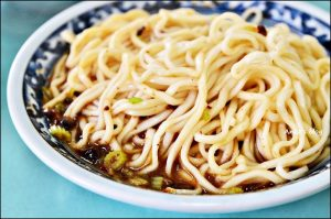 今日熱門文章:宜蘭美食.駝背麵,香菇炸醬麵、麻醬麵(姊姊食記)