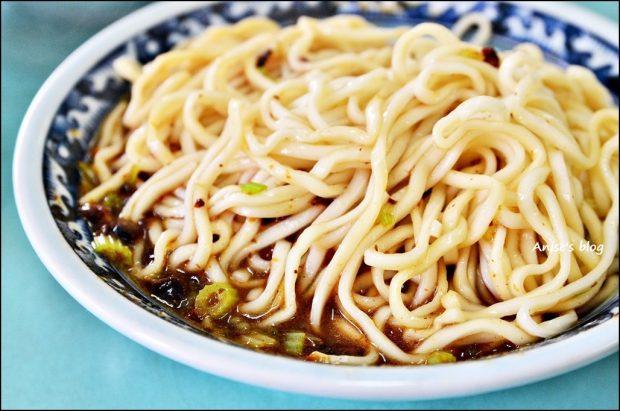 宜蘭美食.駝背麵,香菇炸醬麵、麻醬麵(姊姊食記) @愛吃鬼芸芸