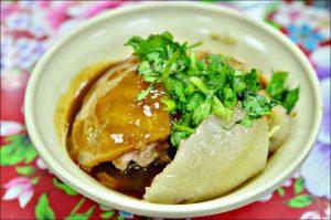 今日熱門文章:萬華美食.蘇家肉圓、油粿、肉粽,艋舺小吃老店(姐姐食記)