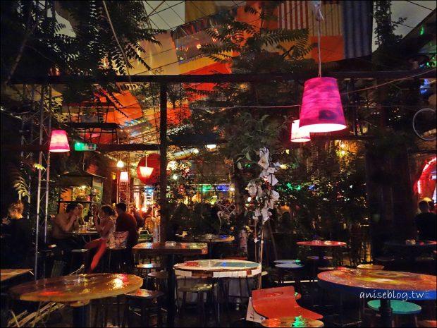 布達佩斯廢墟酒吧_Szimpla Kert049