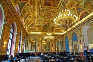 今日熱門文章:全世界最美書店咖啡廳.布達佩斯BOOK CAFE (據說已歇業)
