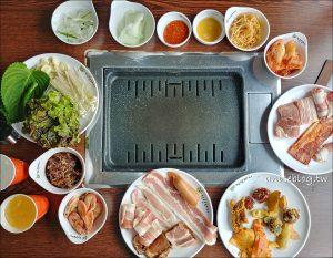 今日熱門文章:首爾美食.善良的豬,梨大/新村燒肉吃到飽,大食怪朋友們衝啊!