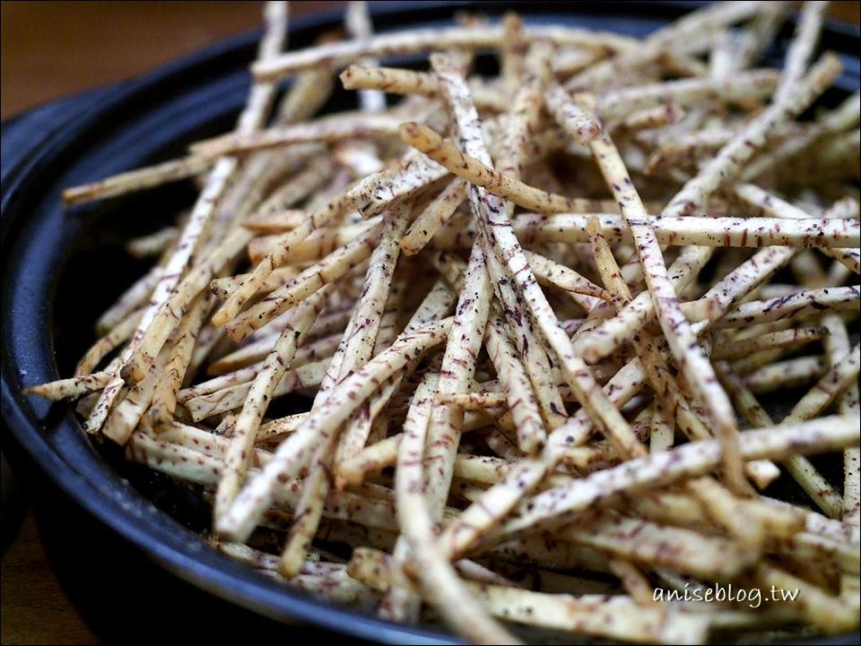 老地方主題鍋物,桂丁雞 x 椰子水火鍋好特別!