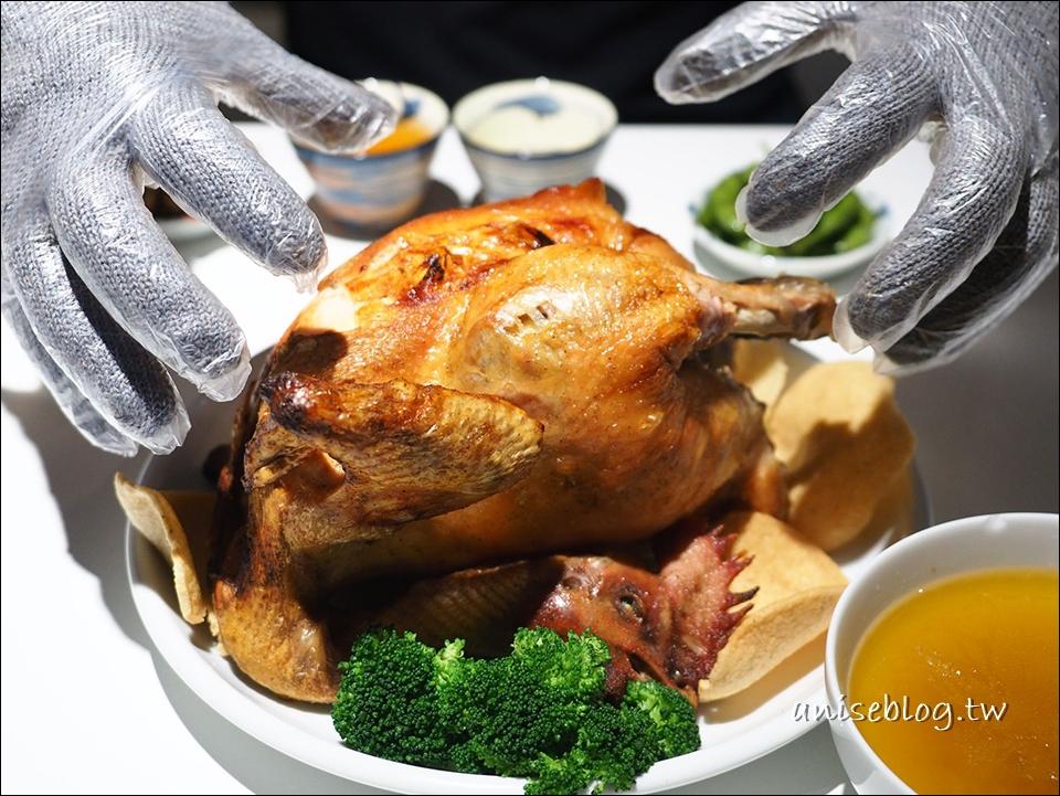 六張犁美食.好雞飯堂,招牌胡椒雞、麻油蛋、臭豆腐是三寶