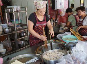 今日熱門文章:北投小吃(下):燈亮客來、阿泓潤餅、漢奇肉羹、阿婆甜不辣