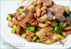 今日熱門文章:通化街美食.老李牛雜,牛雜湯+熱炒的美味小店