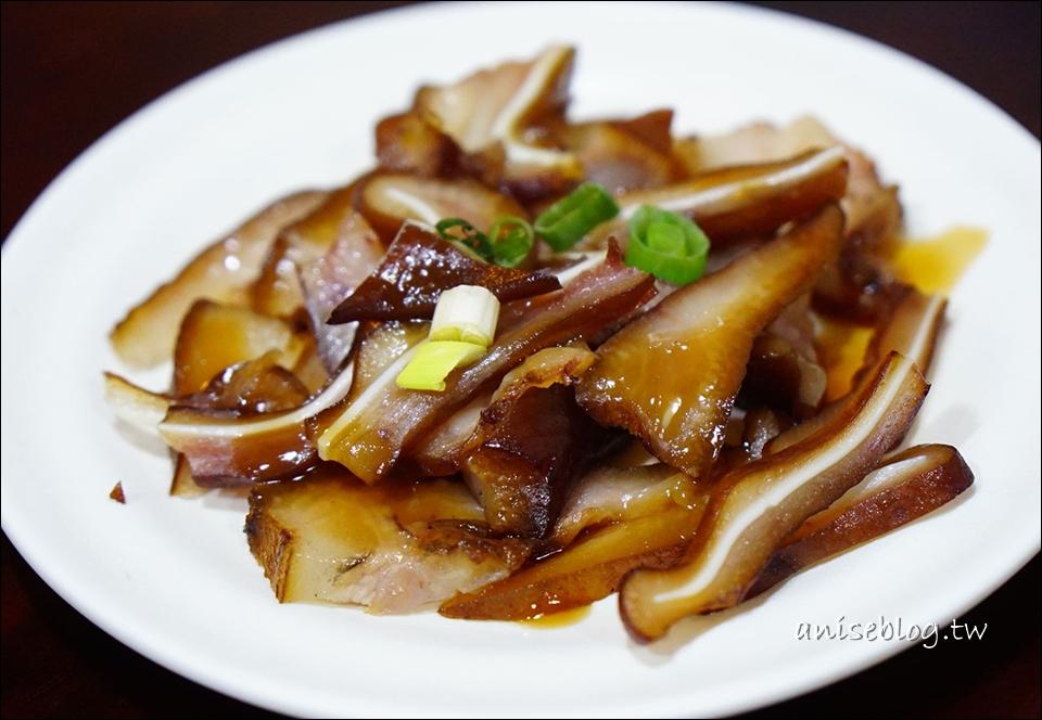 龍記搶鍋麵,清爽又大碗,一定要加蒜加辣油!