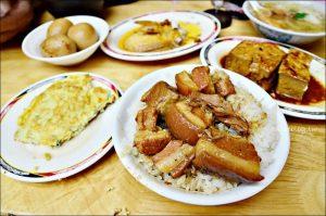 今日熱門文章:滷三塊五花肉飯,北投石牌晚餐宵夜美食(姊姊食記)