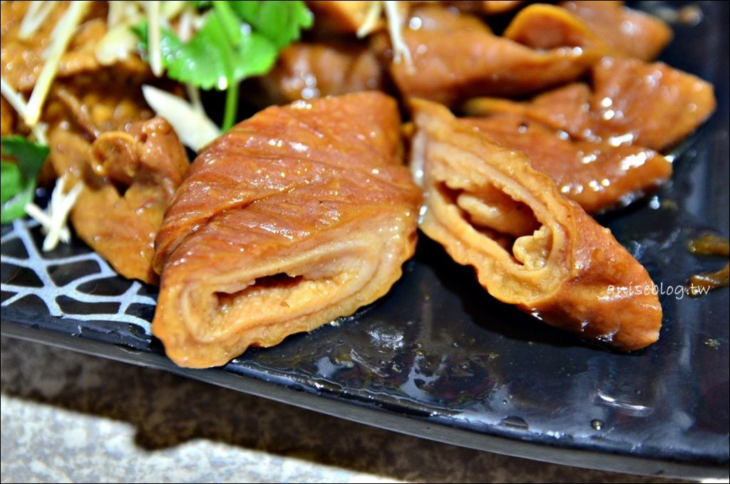 三民大飯店,隱身郊區巷弄間的美味,豬腳滷味是招牌(姊姊食記)