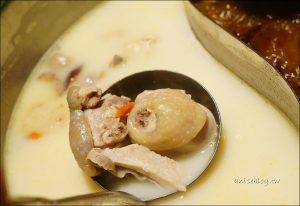 今日熱門文章:撈王胡椒豬肚雞鍋,又貴又好吃的鍋物料理(文末菜單)