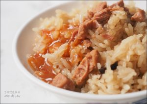 今日熱門文章:龍山寺美食 | 西園路一段302號隱藏版蚵仔麵線、阿萬油飯