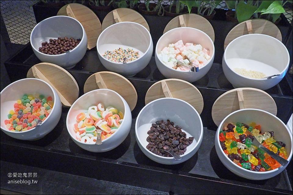 廚窗港點飲茶百匯吃到寶,港點、烤鴨、干貝鮑魚粥、叉燒、鮑魚燒賣、烏參….通通吃到飽!