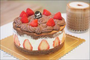 今日熱門文章:JellyJelly 慢工烘焙,網路知名蛋糕終於展店啦!