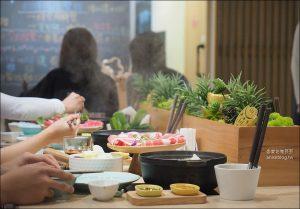 今日熱門文章:東區火鍋 | 小農鍋物 by farmer's table
